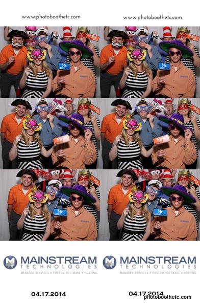 Mainstream Technologies Proves Photo Booth Fun at Corporate Event